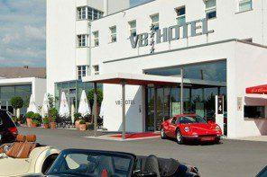 Das V8-Hotel – ein Glanzstück für Autoliebhaber