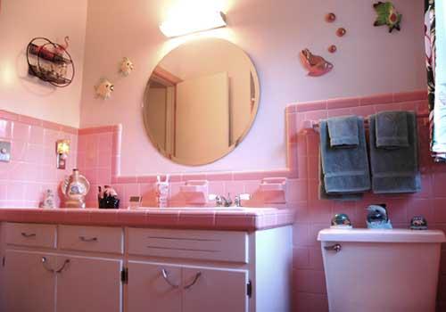 50s - Pomade im  Badezimmer