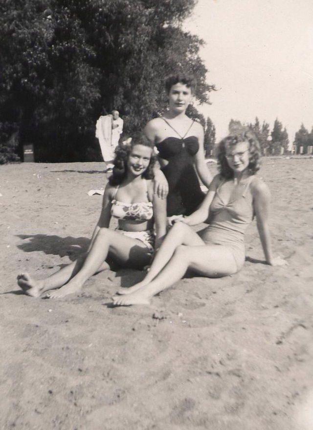 Amerikanische Badenixen aus den 1940er Jahren-(C) wikimedia.org