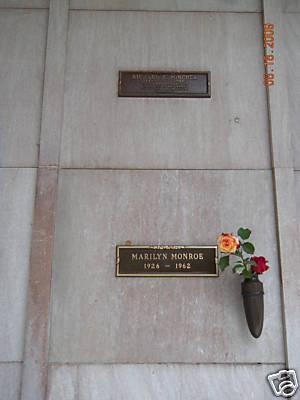 Die zu ersteigernde Grabstätte lag direkt über jener von Hollywood-Star Marilyn Monroe -(C) goauktion.net