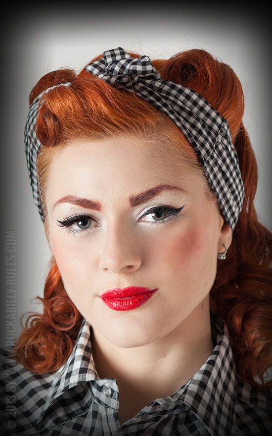 pin up frisuren verf hrerische 50s locken rockabilly rules magazin. Black Bedroom Furniture Sets. Home Design Ideas