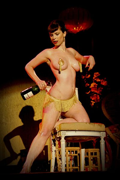 Neo Burlesque - Evita Mansfield