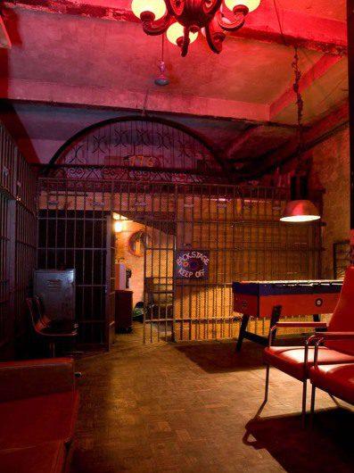 Im Bassyclub gibt es eine Menge zu entdecken, z.B. der Tischkicker lädt zu einem Match mit Freunden ein (C)-cool-cities.com