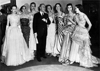 """Christian Dior mit seiner Kollektion """"Coralle"""" 1947 (C)-vogue.it"""