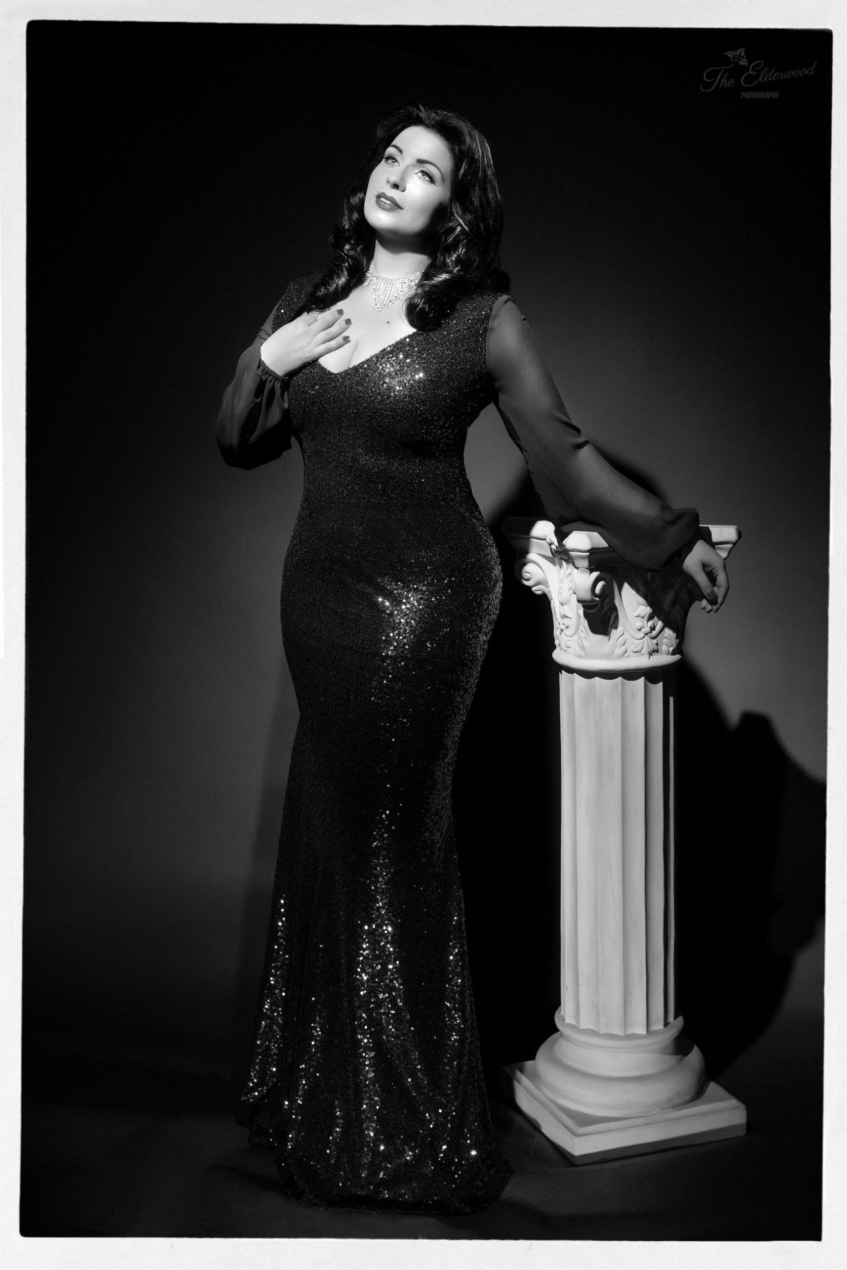 Miss Velvet Ivory-(C) The Elderwood Photography