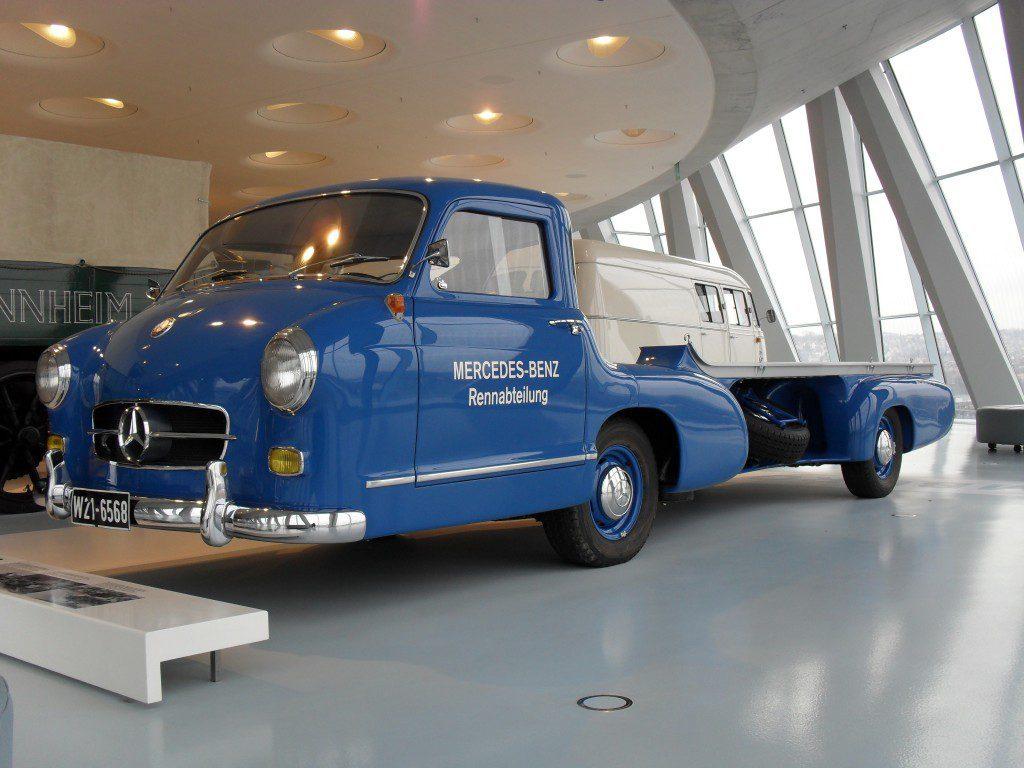 Mercedes-Renntransporter