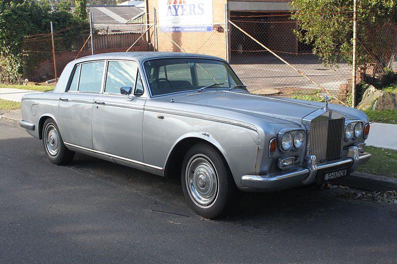 1967_Rolls-Royce_Silver_Shadow_sedan_(19247121559)