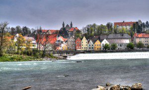 Landsberg,_Lechwehr,_Altstadtkulisse_(8699523376)