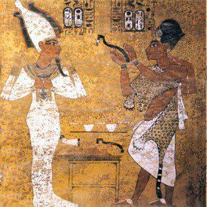 Äyptische Wandmalerei mit Gewändern aus Leopardenfell