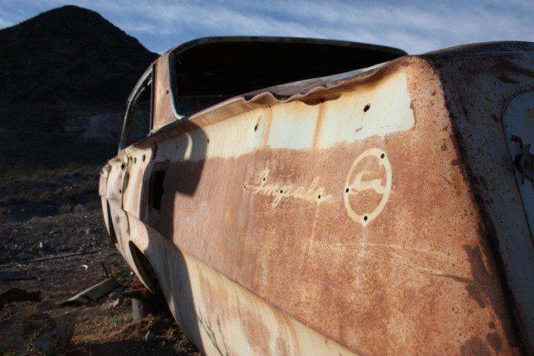 Verrostetes Auto in Rhyolite