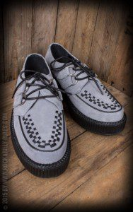 Creeper Sneakers aus grauem Wildleder