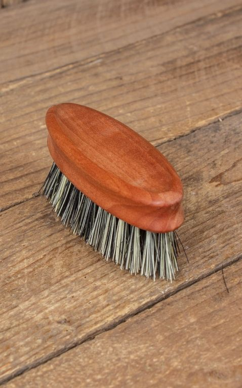 Bartbürste ellipsenförmig mit grauem Naturfibre