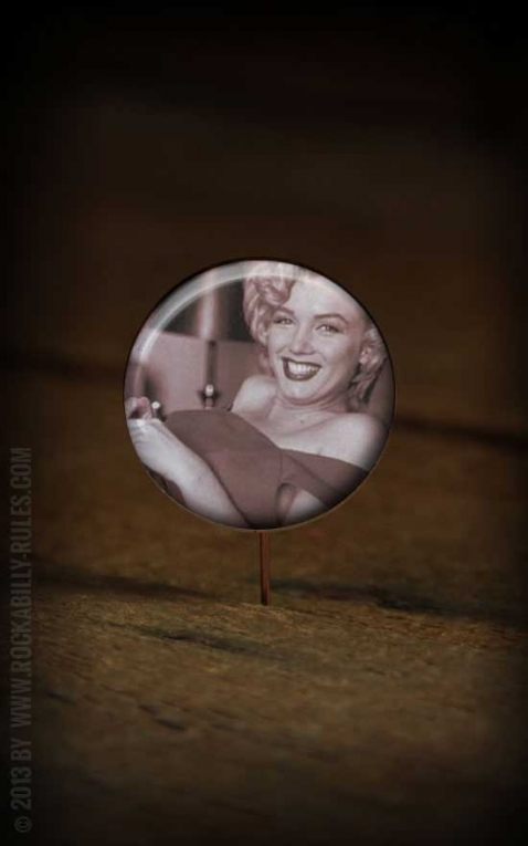 Button PinUp 261