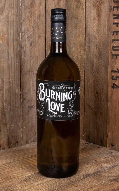 Red Hot and Blue Burning Love Glühwein weiß
