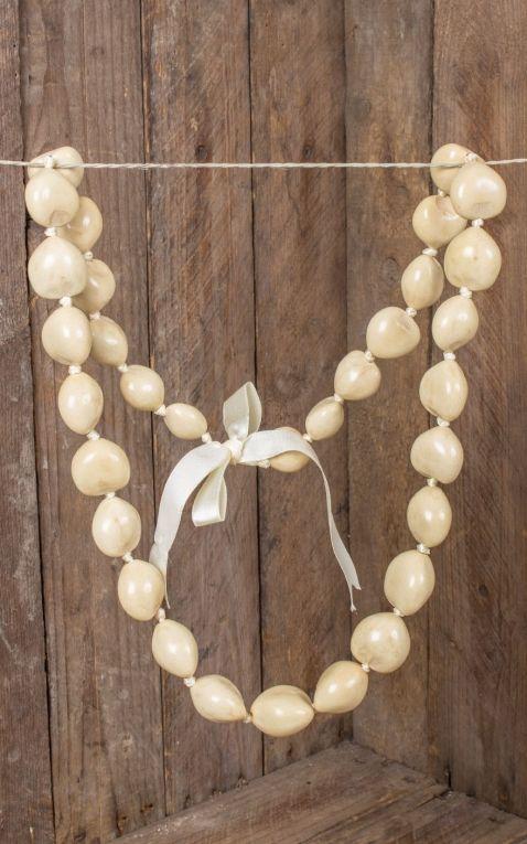 Hawaiianische Halskette Kukui Nut Lei, weiß