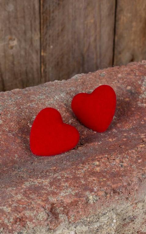 Collectif Ohrstecker Velvet, Herzen aus Samt, rot