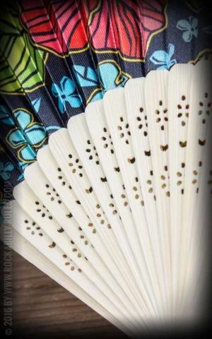 Bambus Handfächer mit Hibiskus Blüten