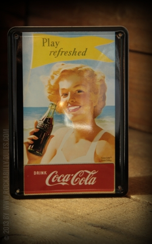 Blechpostkarte - Coca Cola Play refreshed