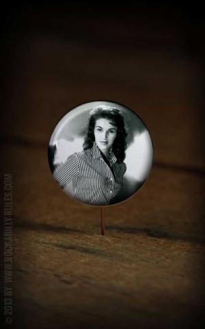 Button Wanda Jackson 014