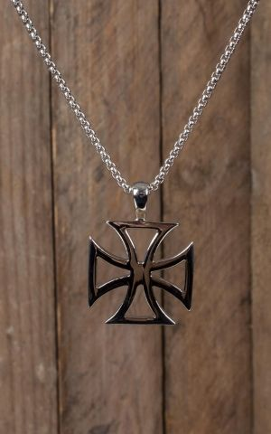 Necklace with pendant in stainless steel - Iron Cross