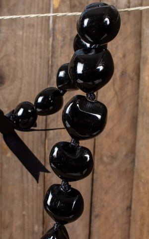 Hawaiianische Halskette Kukui Nut Lei, schwarz