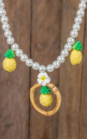 Mirandas Choice Pearl necklace pineapple and bamboo